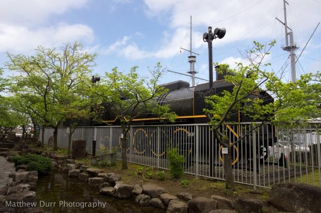 Fenced Locomotive 16mm, ISO 100, f/5.6, 1/200