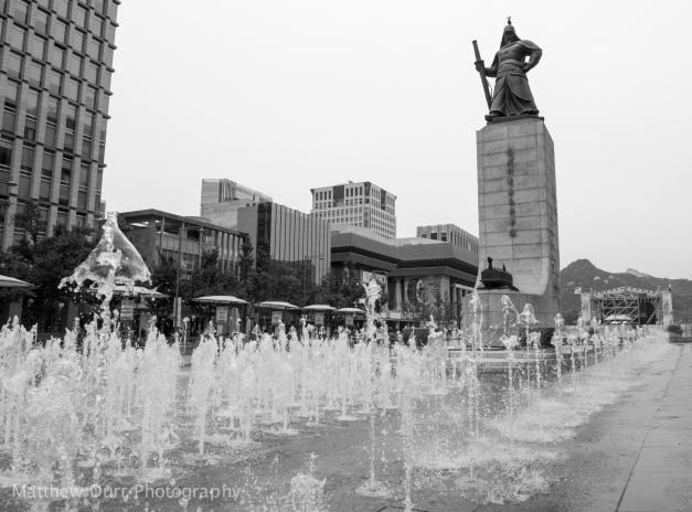 Admiral Yi Sunshin Fountain Area 16mm, ISO 100, f/5.6, 1/500