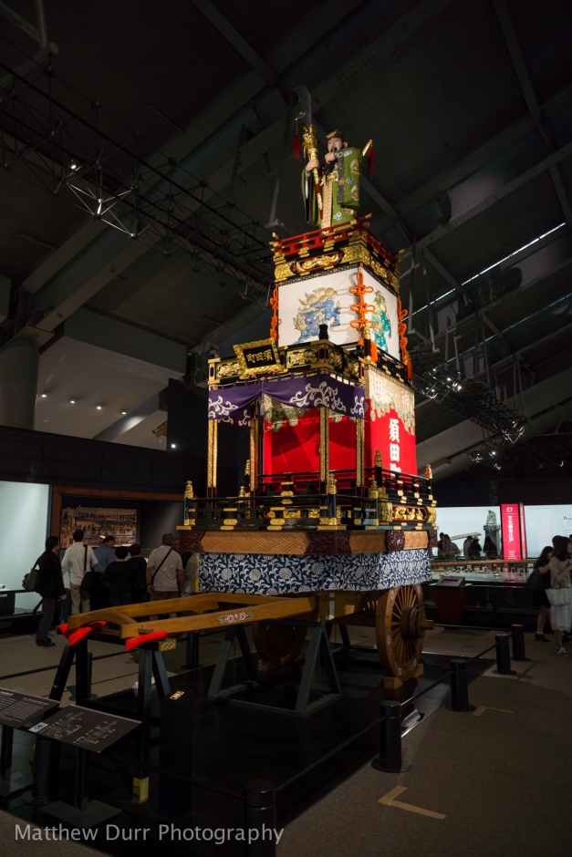 Float of Kanda-myoujin Shrine 16mm, ISO 100, f/2, 1/15