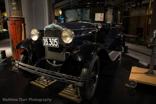 Early Ford Taxi 16mm, ISO 400, f/2, 1/30