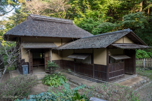Yokobuean (Country-style tea hut) 16mm, ISO 100, f/5.6, 1/25